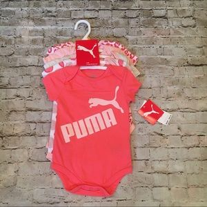 Puma 5 pack Bodysuits size 12 month NWT